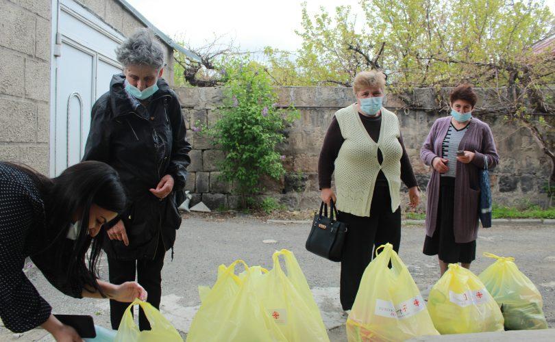 Dystrybucja pakietów żywnościowych i higienicznych